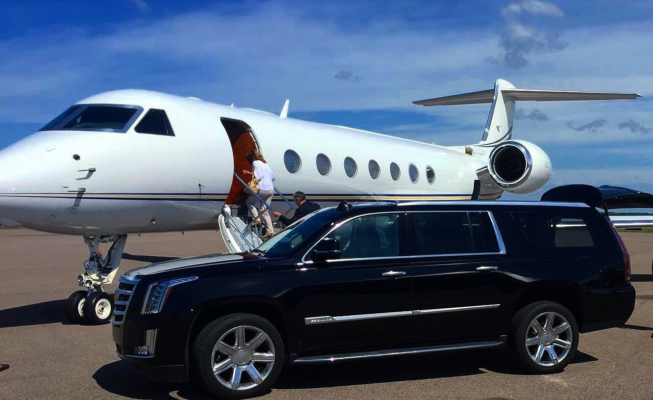 private-car-service-denver-limo-centennial-jet-center